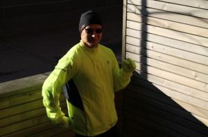 Karrimor-mies juoksuvalmiudessa