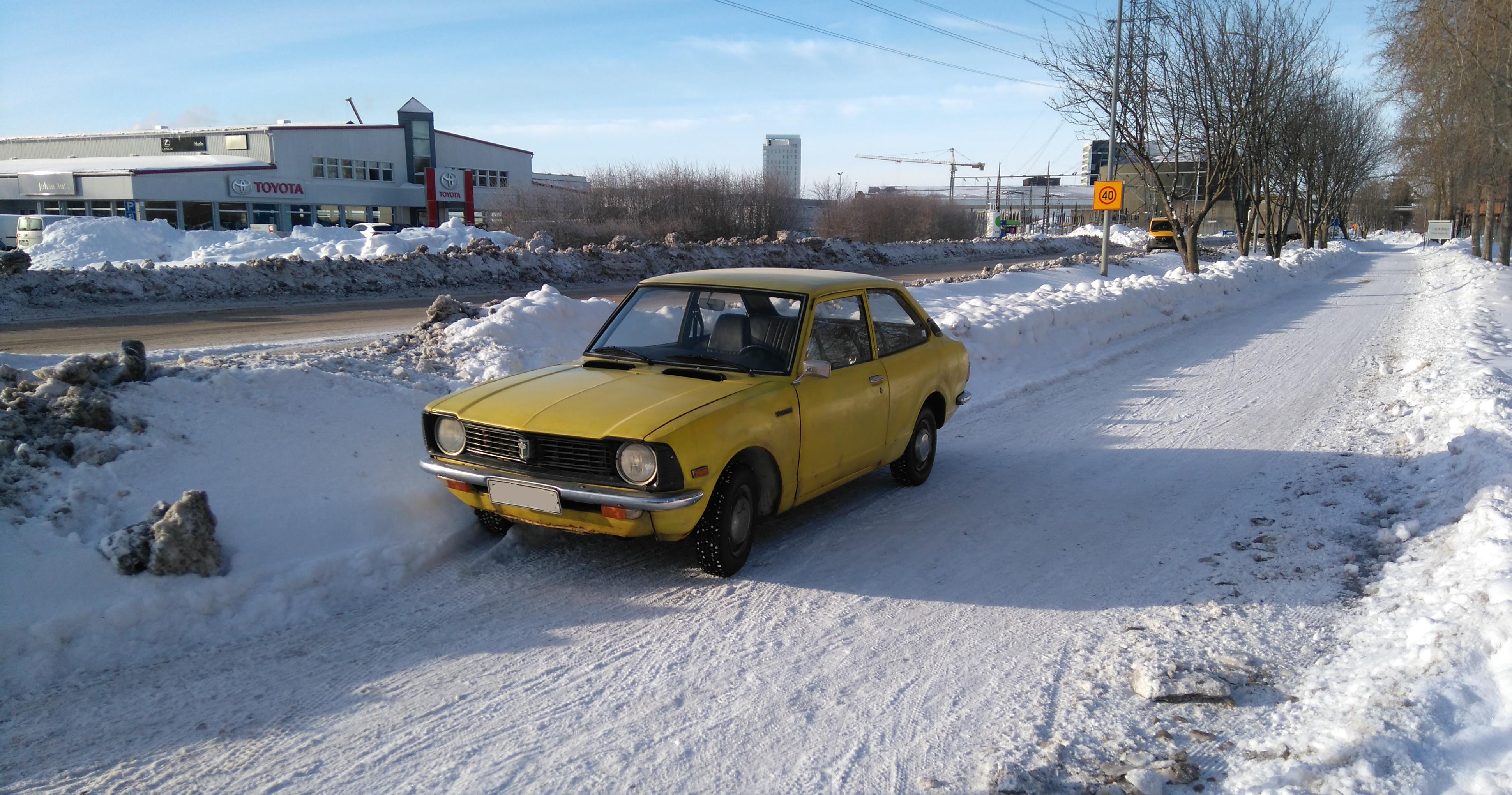 Keltainen pikkuauto